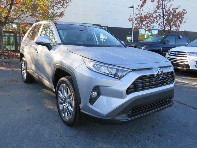 Certified Pre-Owned 2019 Toyota RAV4 XLE Premium FWD (Natl)
