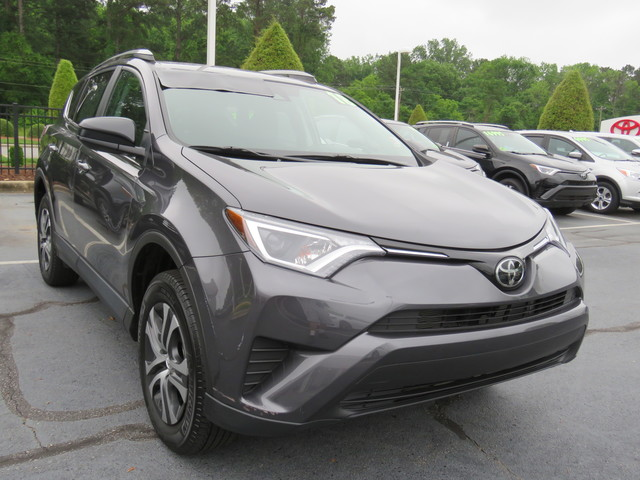 Certified Pre-Owned 2018 Toyota RAV4 LE FWD (Natl)