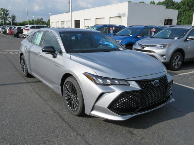 new 2019 toyota avalon hybrid xse sedan in huntersville. Black Bedroom Furniture Sets. Home Design Ideas