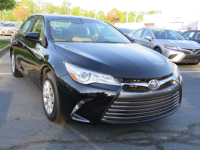 Pre-Owned 2017 Toyota Camry LE Auto (Natl)