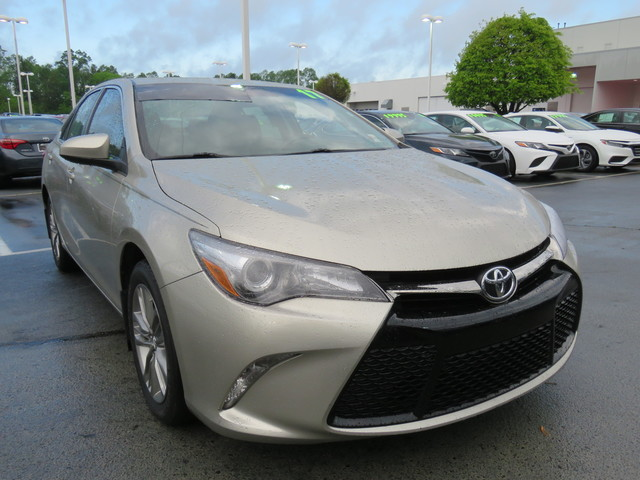 Certified Pre-Owned 2017 Toyota Camry SE Auto (Natl)