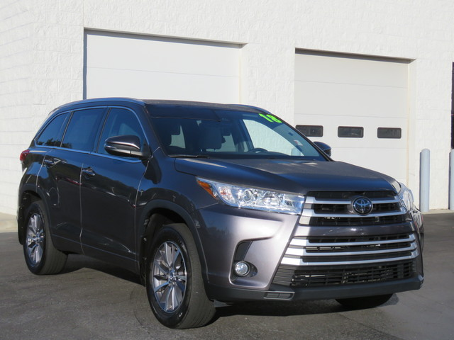 Certified Pre-Owned 2018 Toyota Highlander XLE V6 AWD (Natl)