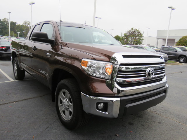 Certified Pre-Owned 2017 Toyota Tundra SR5 Double Cab 6.5' Bed 5.7L FFV (Natl)
