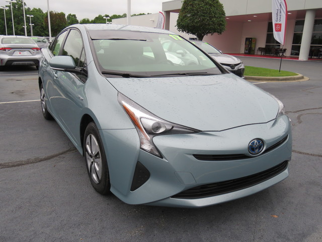 Pre-Owned 2017 Toyota Prius Two Eco (Natl)