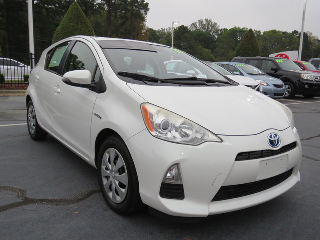 Pre-Owned 2013 Toyota Prius c 5dr HB Two (Natl)