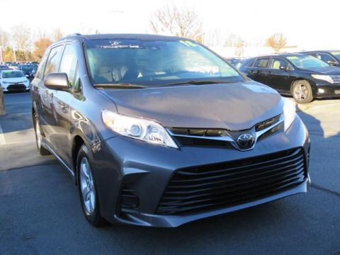 Certified Pre-Owned 2018 Toyota Sienna LE FWD 8-Passenger