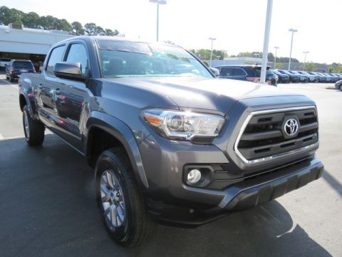 Pre-Owned 2017 Toyota Tacoma SR5 Double Cab 6' Bed V6 4x2 AT (Natl)